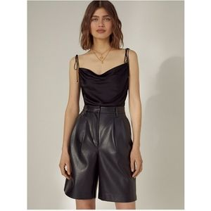 BNWT Aritzia Wilfred Limerick Leather Shorts